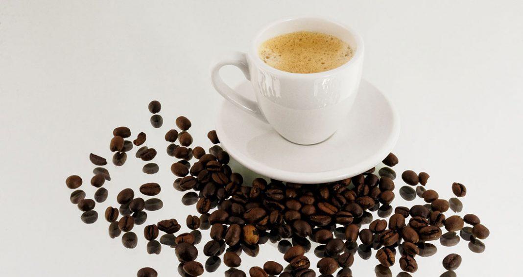 Wie macht man einen Espresso richtig? » Espresso Kaffee ...