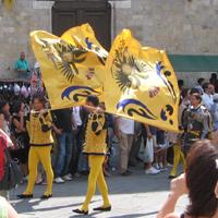 Palio Sien Fahnenträgern gelb