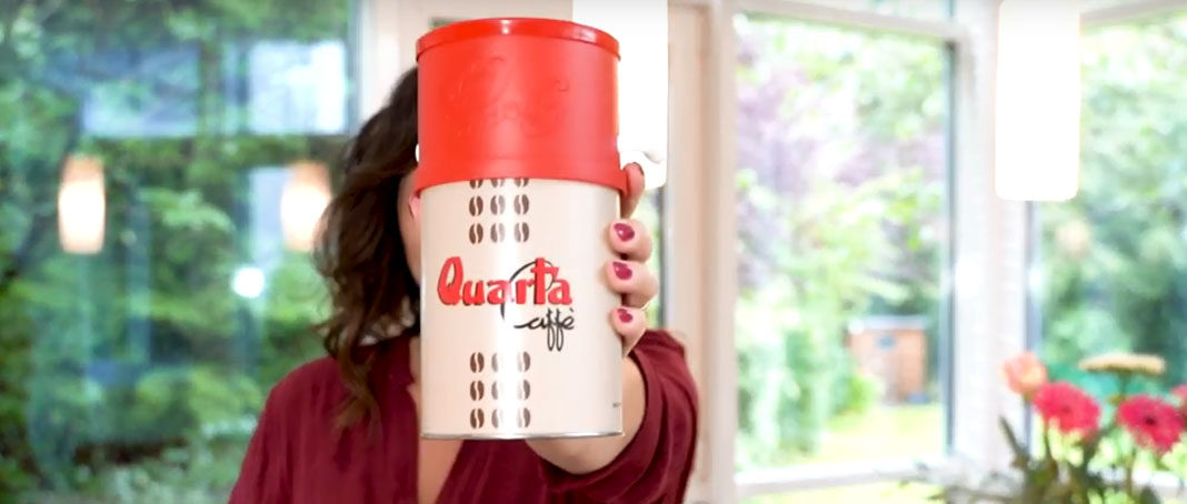 Quarta-Caffe-Avio-Oro-mit-Dosierer